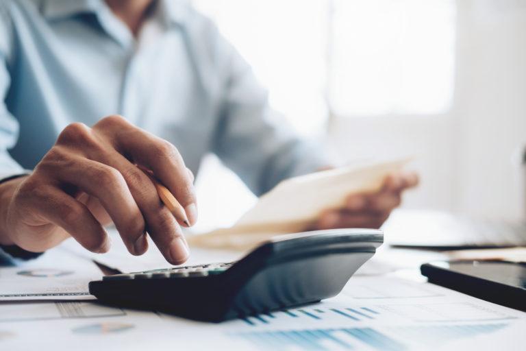 L'esecutore testamentario e la vendita degli immobili: come si presenta la dichiarazione e chi paga le imposte?