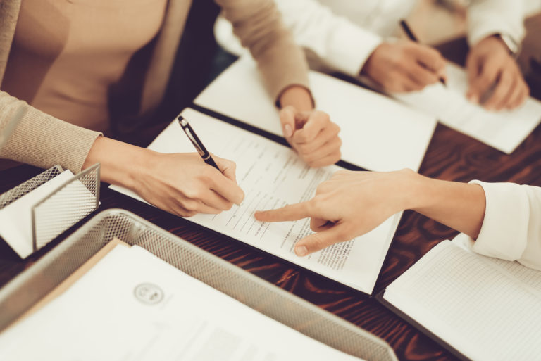 Divorzio congiunto e separazione consensuale: ammissibile il trasferimento di immobili senza obbligo d' intervento notarile